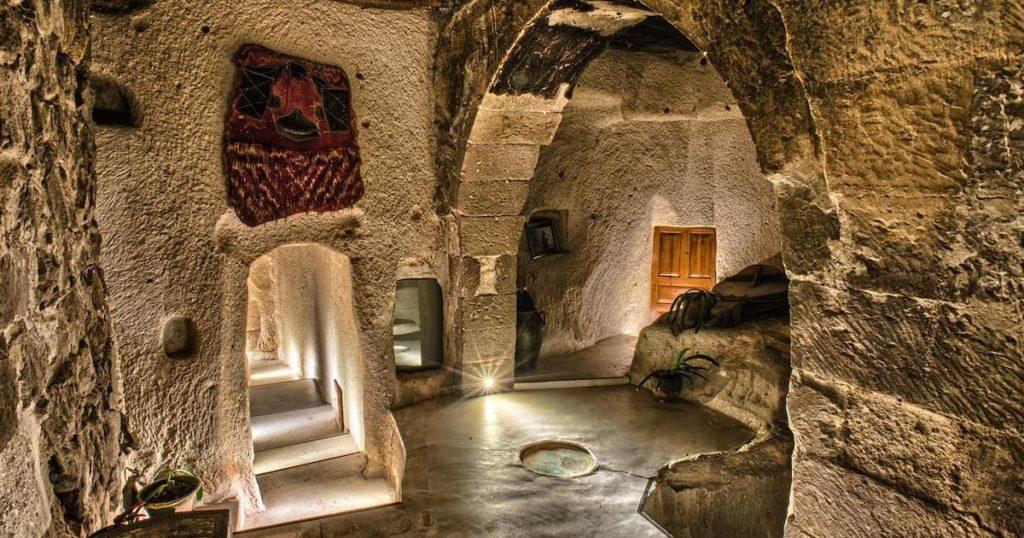 出國旅遊住這些地方超酷!來去奇妙洞穴飯店住一晚