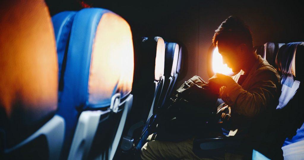 機上病毒退散!5招教你如何避免搭機後感冒