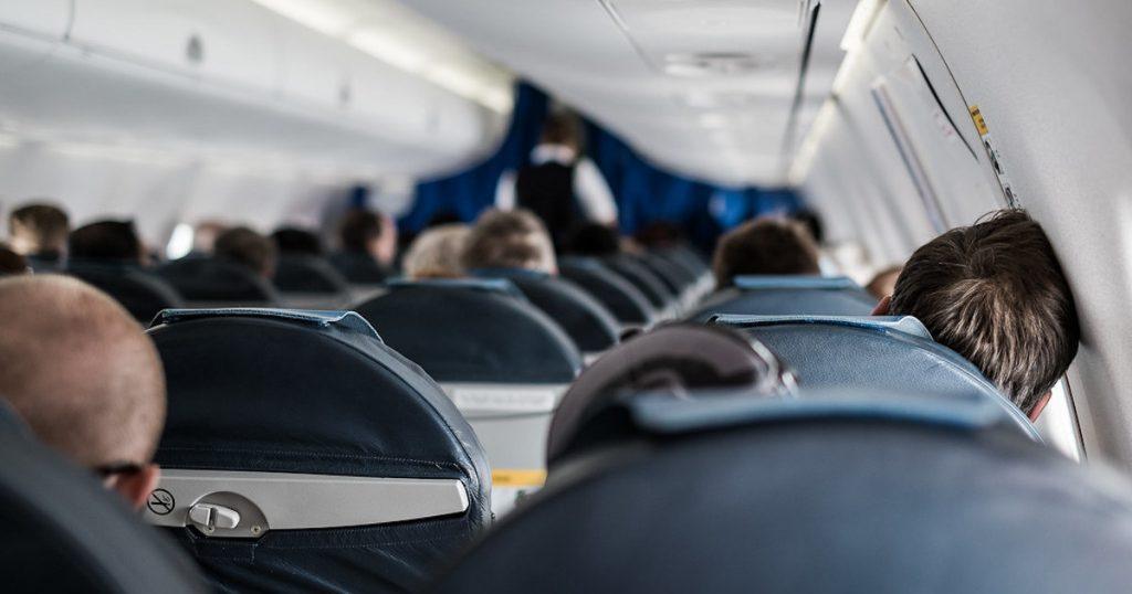 搭飛機必看|七招教你如何在飛機上擁有良好的睡眠品質