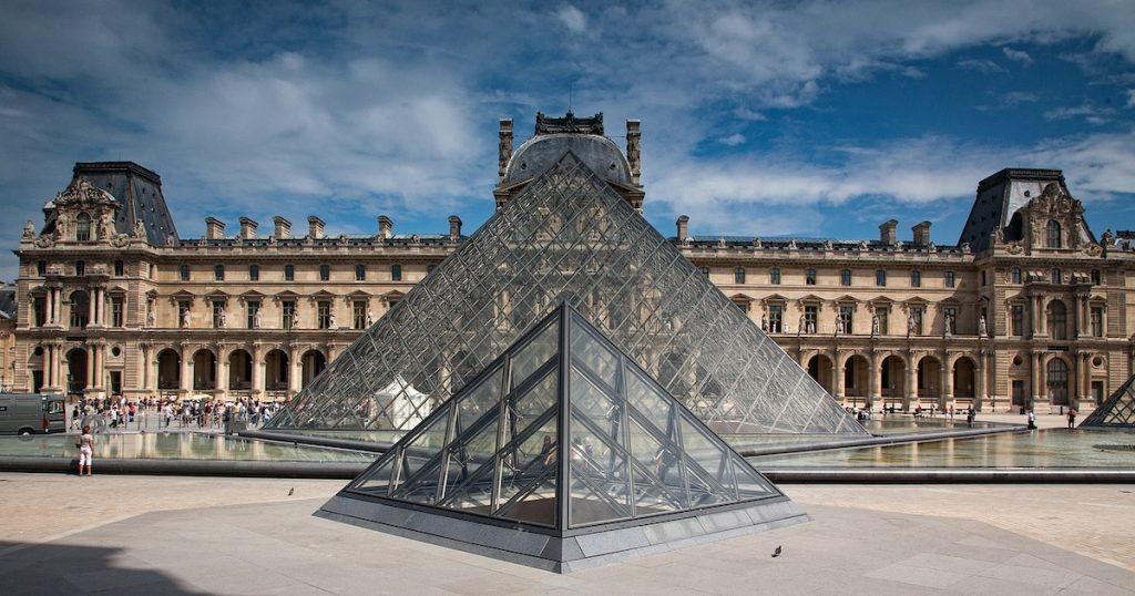 不能飛巴黎仍可以去羅浮宮大開眼界!超近距離觀賞《蒙娜麗莎》